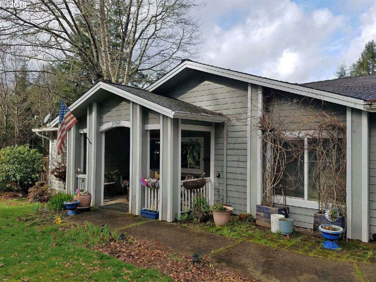 93581 Timber Ln, Coos Bay, OR 97420