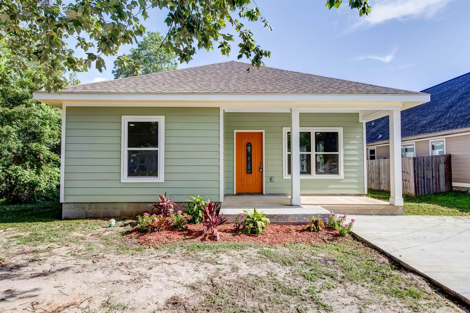 1776 Vaughn St, Biloxi, MS 39531