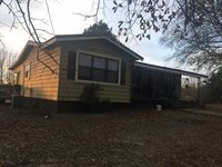 1589 Leslie Road, Pope, MS 38658
