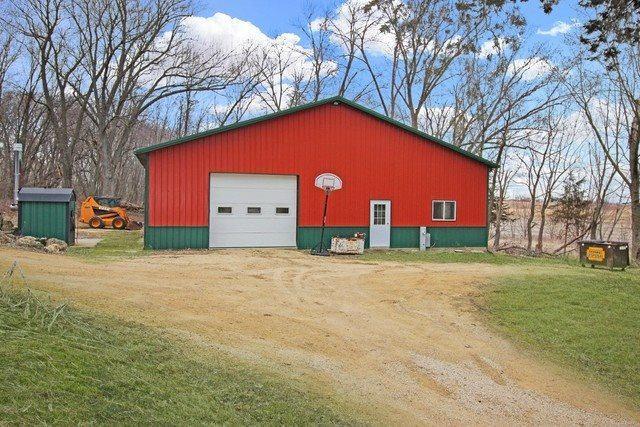 1360 East Angle Road, Dakota, IL 61018