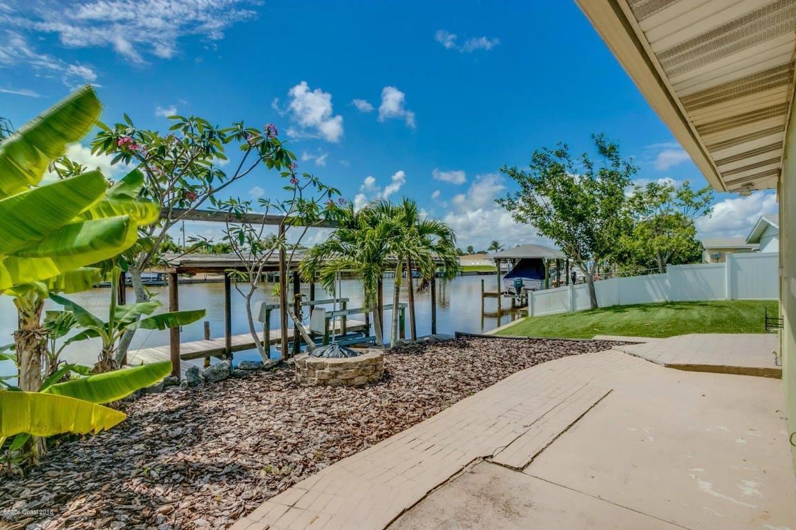 290 Diana Boulevard, Merritt Island, FL 32953