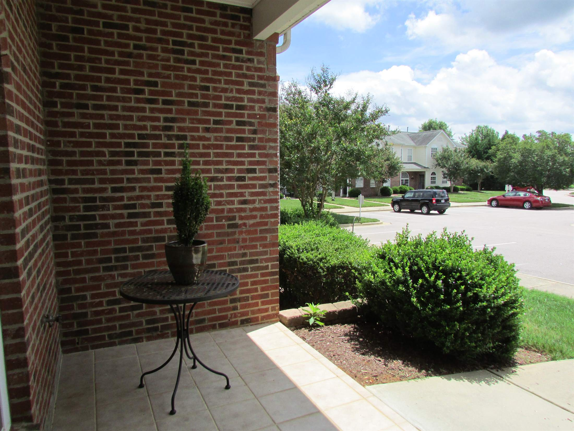 2121 Piney Brook, #104, Raleigh, NC 27614