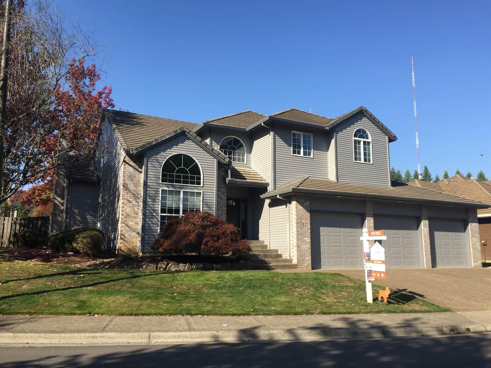 585 SW 67th Pl, Portland, OR 97225