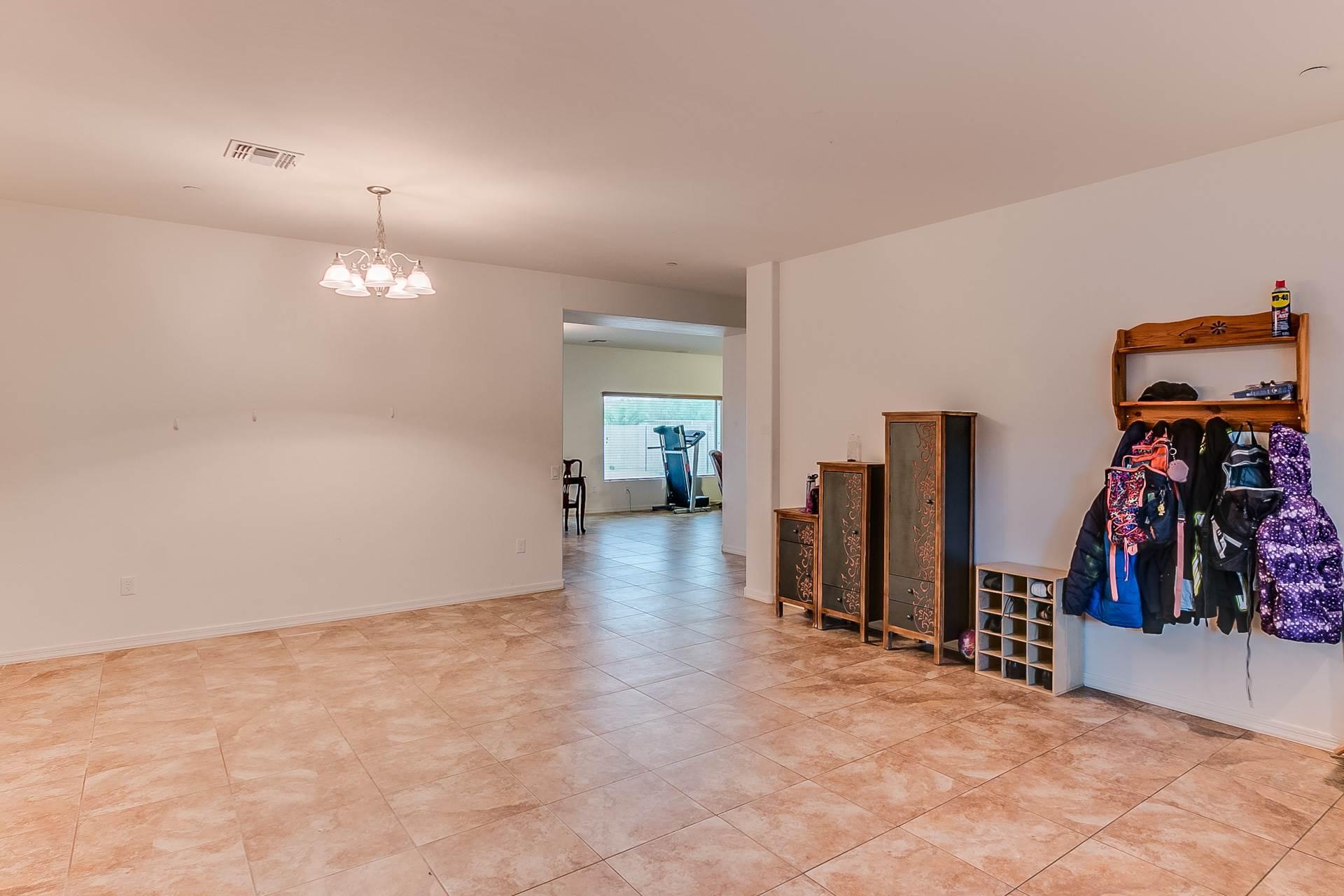 635 W Calle Sombra Linda, Sahuarita, AZ 85629