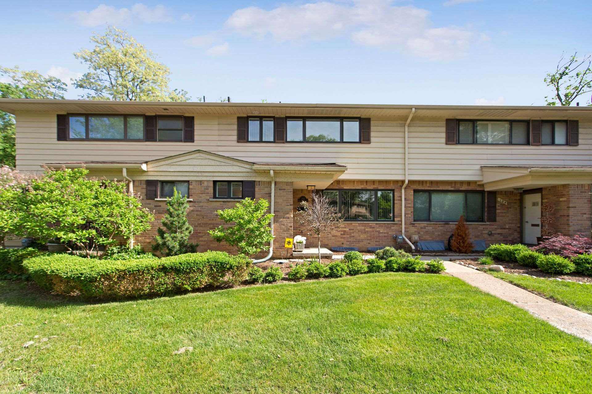 102 East Hickory Grove, Bloomfield Hills, MI 48304