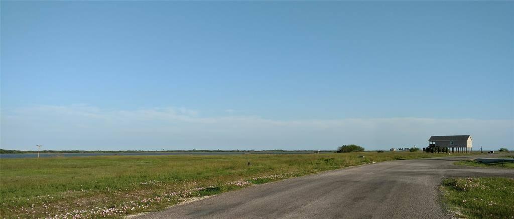 71 Bay Drive, Palacios, TX 77465