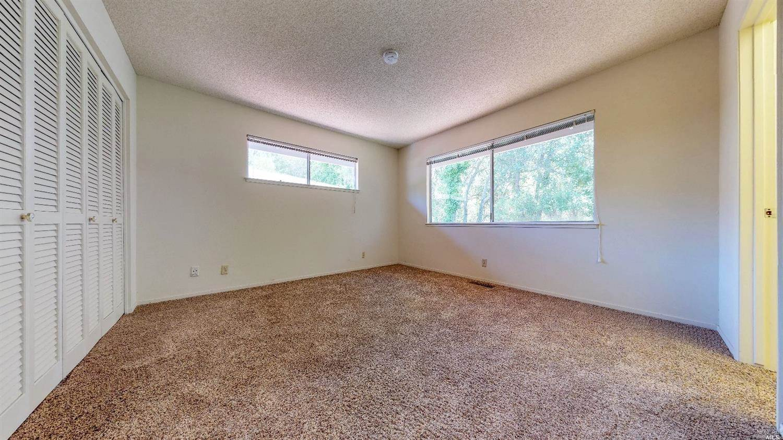 12 Meadowgreen Circle, Santa Rosa, CA 95409