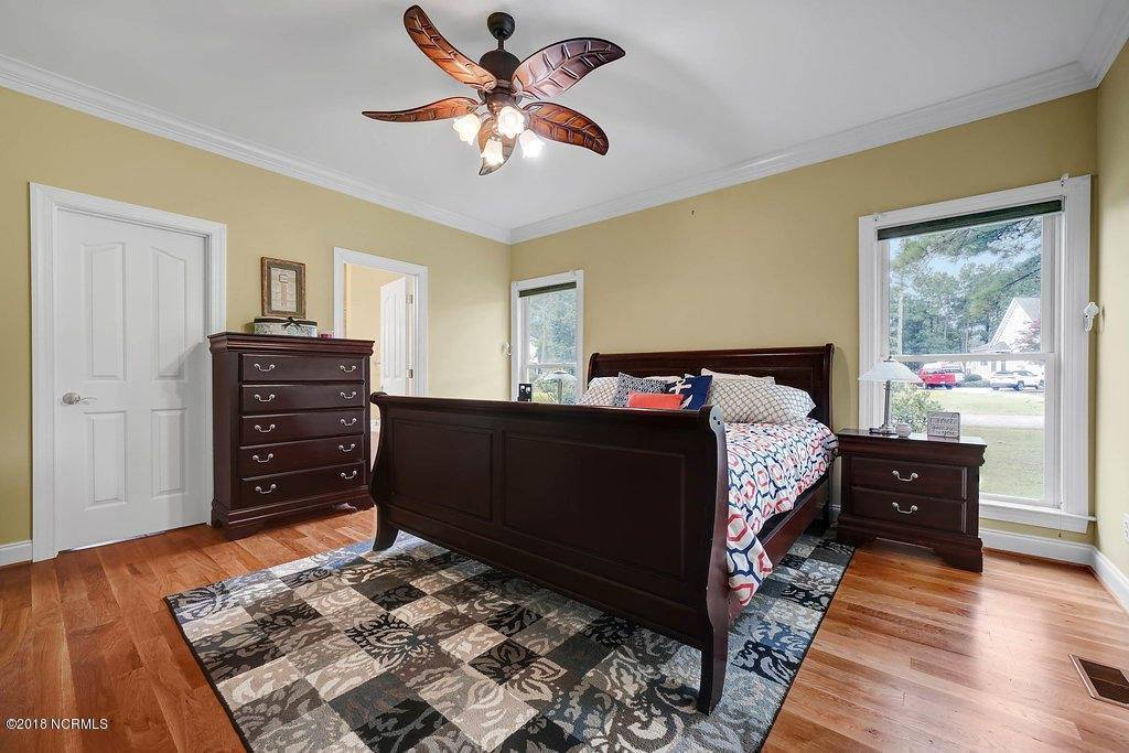 210 Dowitcher Drive, Hampstead, NC 28443