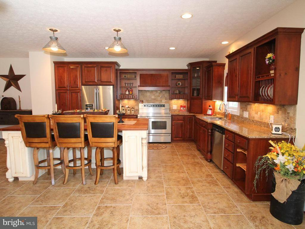 3024 Hamburg Road, Edinburg, VA 22824