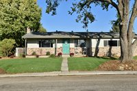 1221 Highland Dr, Hollister, CA 95023