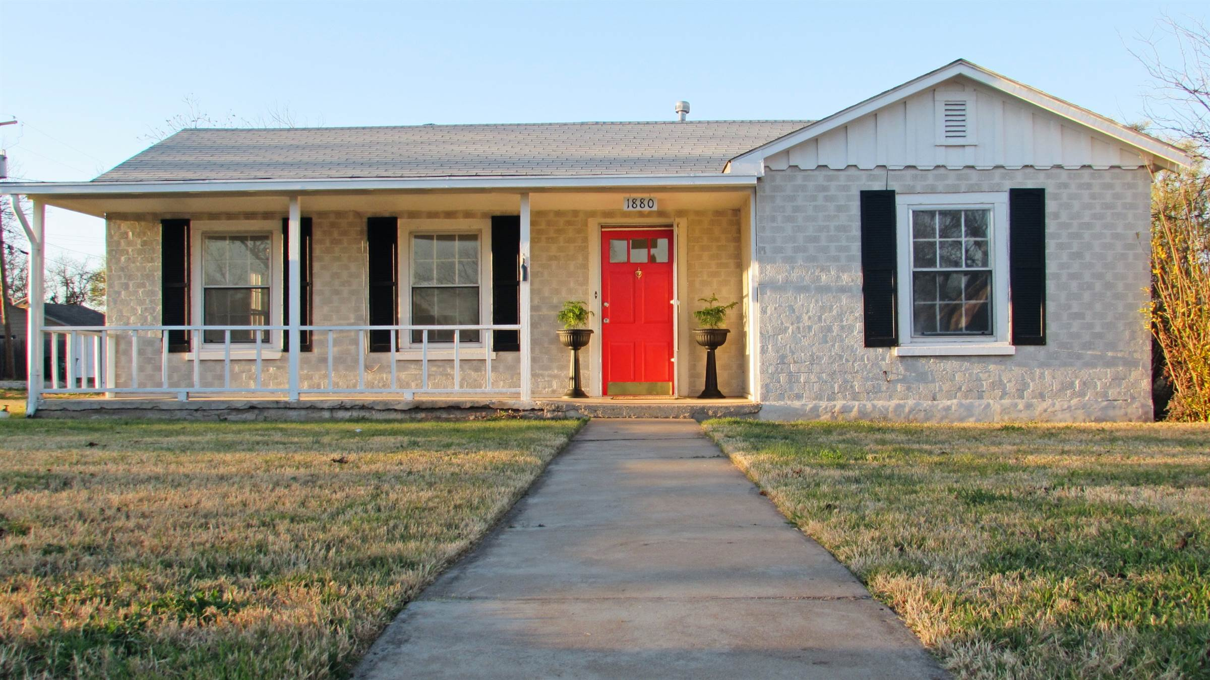1880 Guadalupe St, San Angelo, TX 76901