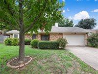 2424 Palo Alto Drive, Arlington, TX 76015