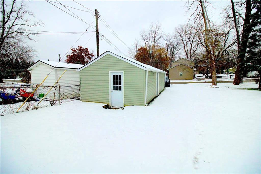 1274 Round Lake Road, White Lake Township, MI 48386