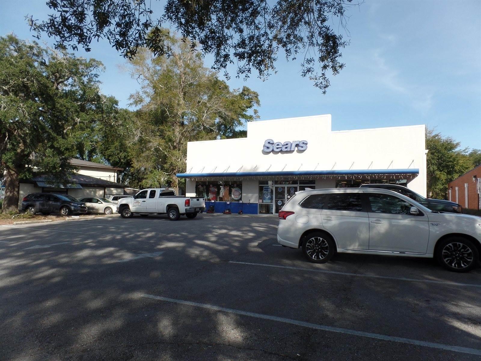 792 East John Sims Parkway, Niceville, FL 32578