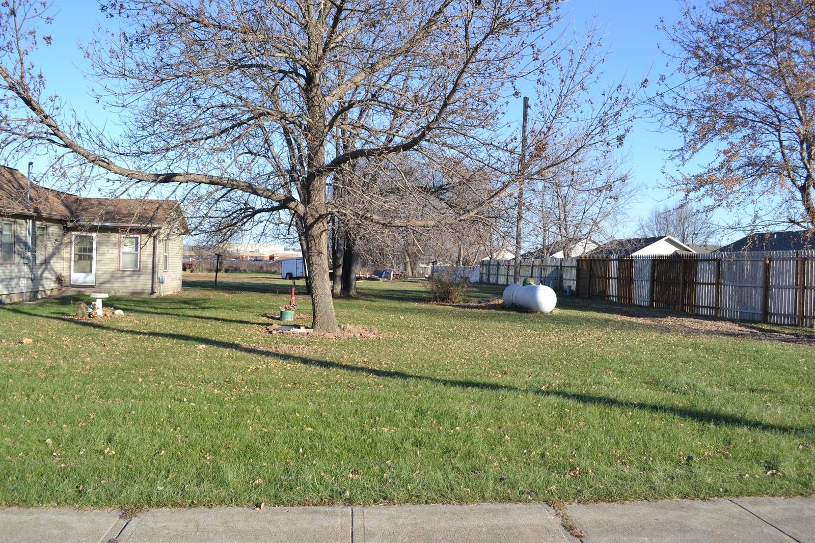 1400 G Street, South Sioux City, NE 68776
