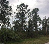 822 Campbell ST E, Lehigh Acres, FL 33974
