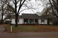 210 Kyle St, Batesville, MS 38606