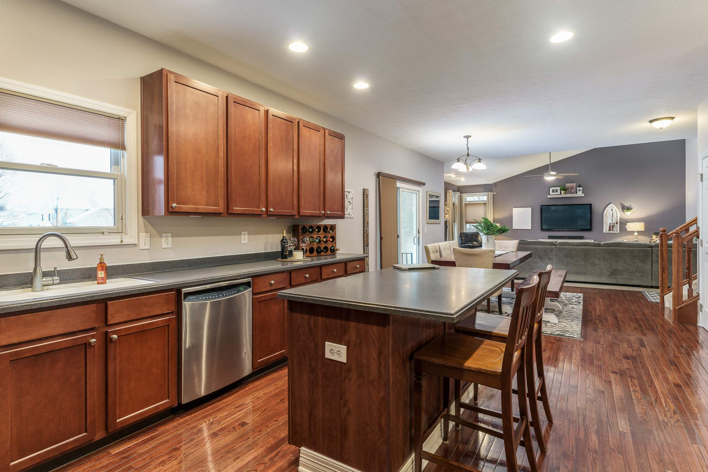 6841 Snapdragon Way, Lewis Center, OH 43035