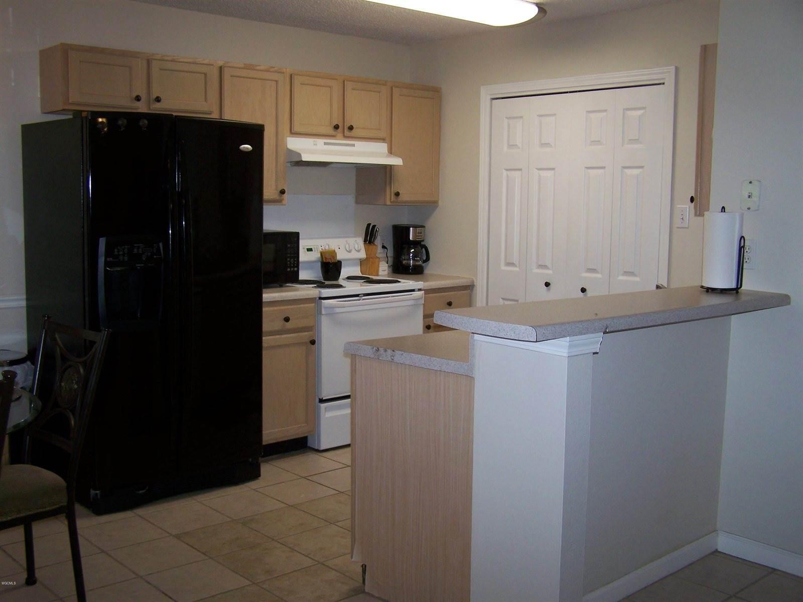5080 Gautier Vancleave Rd, #B 12, Gautier, MS 39553