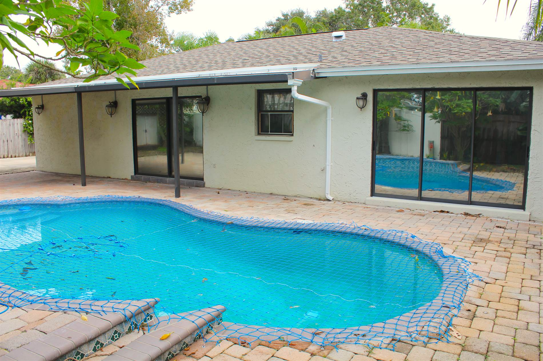 9494 118TH Street, Seminole, FL 33772