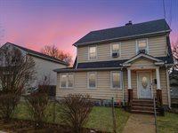 28 Stowe Pl, Hempstead, NY 11550