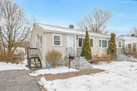 39 Oxford Rd, Norwood, MA 02062