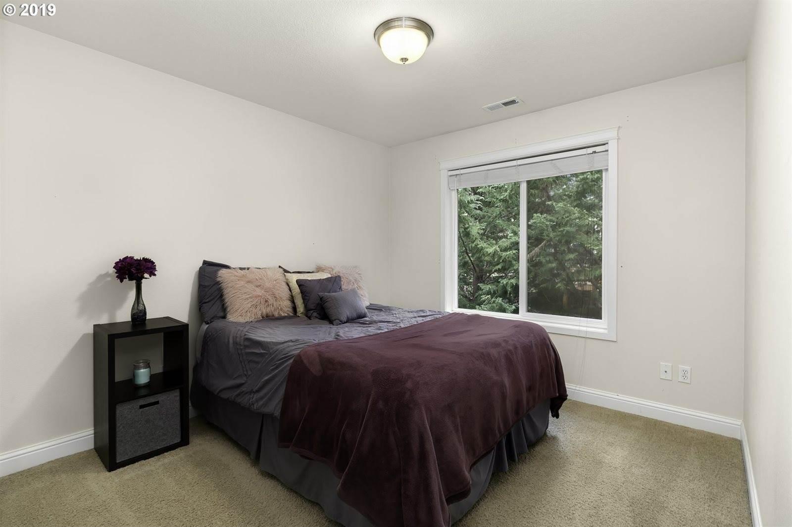 6944 SW Leslie St, Portland, OR 97223