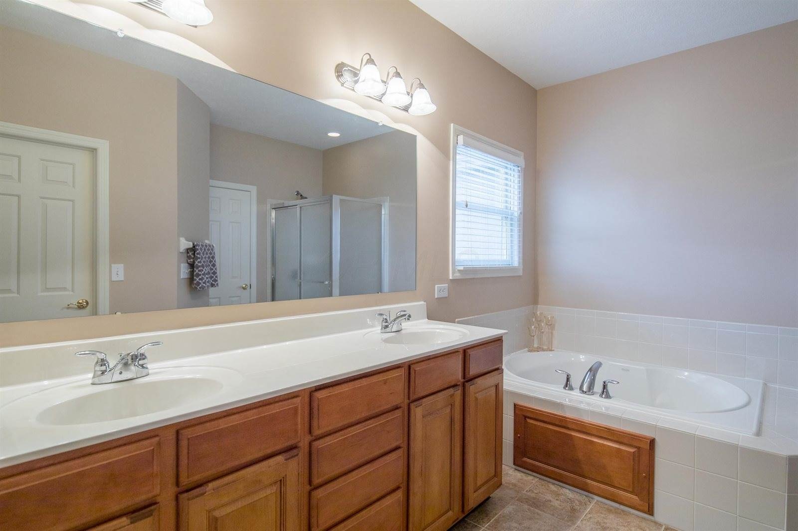 6205 Jeffrelyn Drive, Hilliard, OH 43026