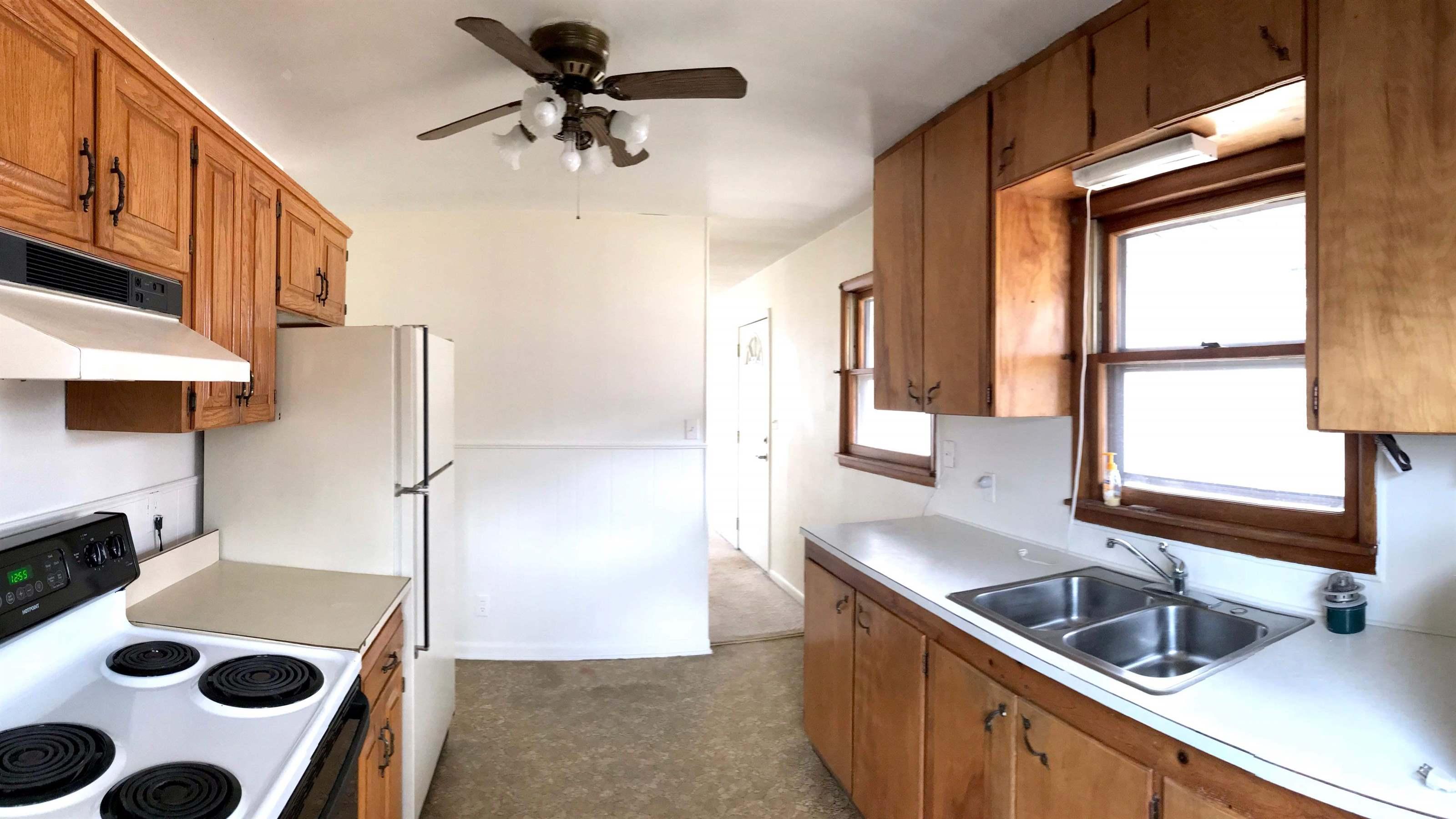 1239 Regan Avenue, Carthage, MO 64836
