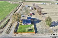 24757 Cemetery Road, Middleton, ID 83644
