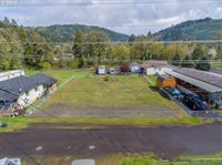 430 Birch St, Drain, OR 97435