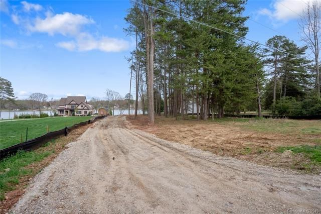 519 Isle Of Pines Road, Mooresville, NC 28117
