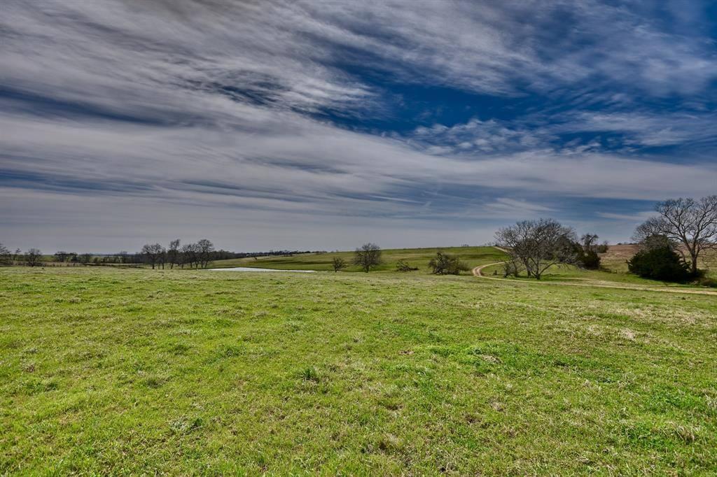 4655 Fm 2502, Bleiblerville, TX 78931