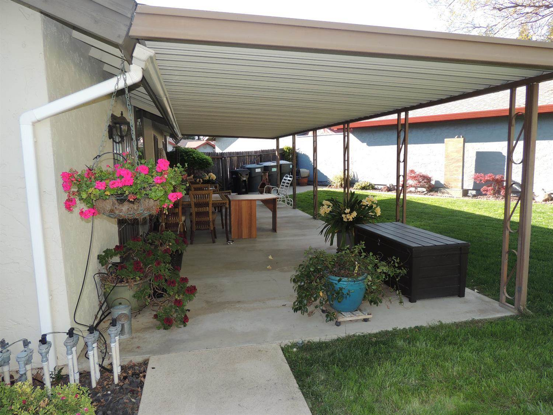 7136 Heather Tree Drive, Sacramento, CA 95842