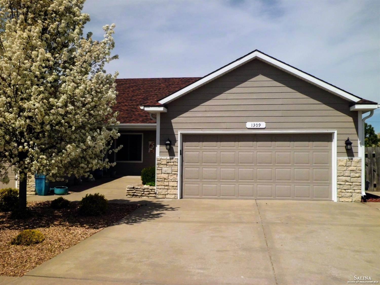 1309 Sierra Drive, Salina, KS 67401
