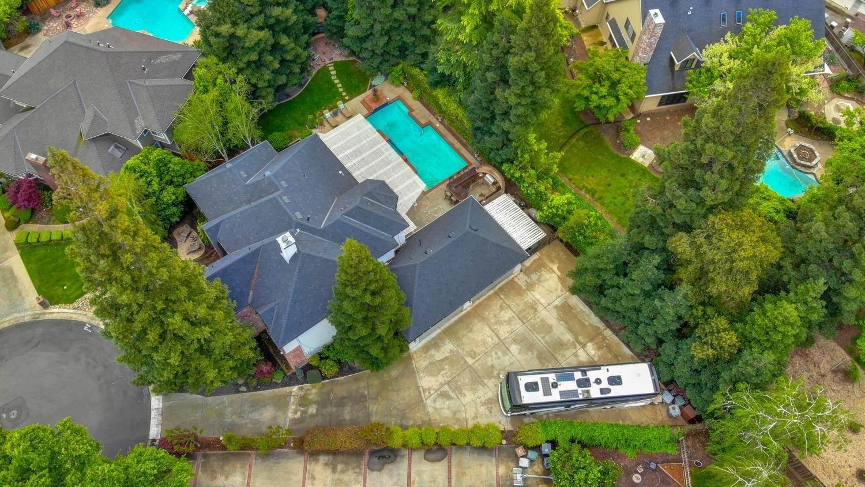 5050 Oak Mello Court, Elk Grove, CA 95758
