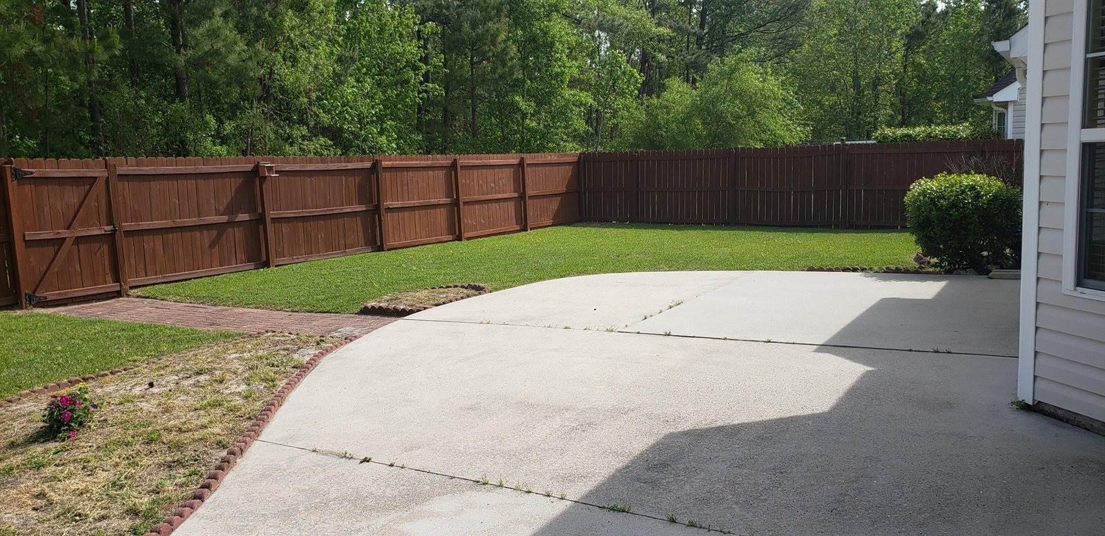 624 Pine Branches Circle SE, Leland, NC 28451