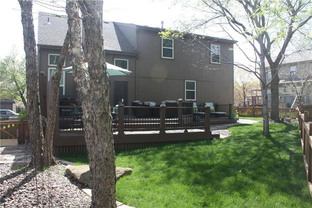 8210 West 152nd Terrace, Overland Park, KS 66223