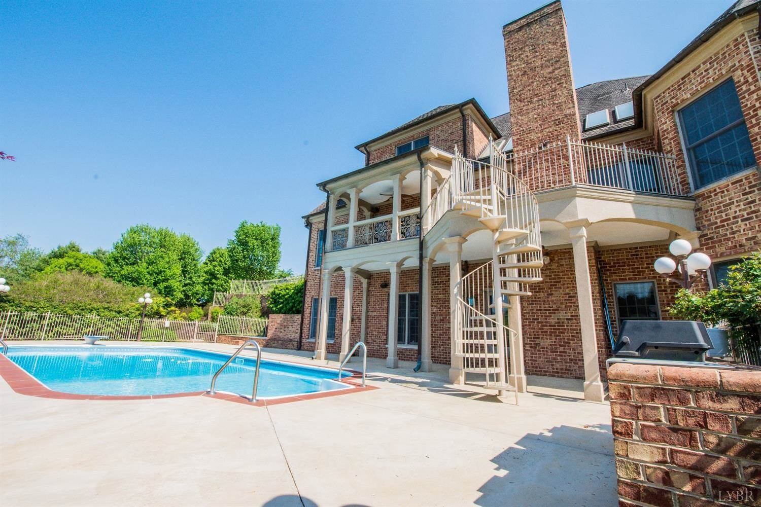507 Ivy Lake Drive, Forest, VA 24551