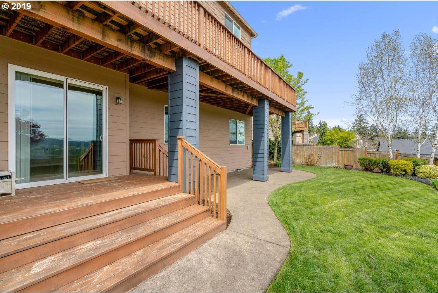 12734 SE Sunrunner Ct, Happy Valley, OR 97086