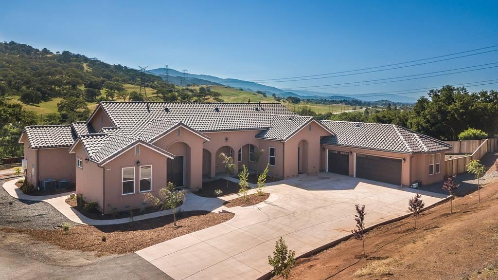 21900 Walton Avenue, San Jose, CA 95125