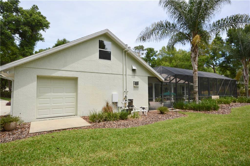 1954 Hillcrest Oak Drive, Deland, FL 32720