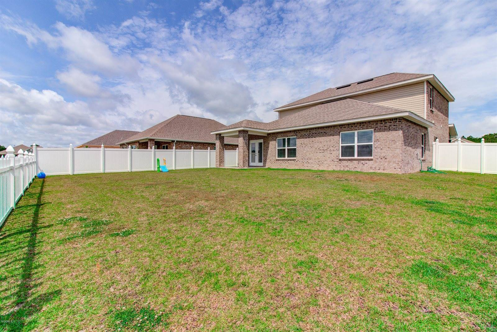 10215 Little Gem Dr, Gulfport, MS 39503