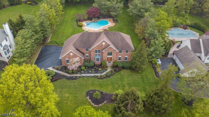 10 Winding Ridge Way, Warren Township, NJ 07059