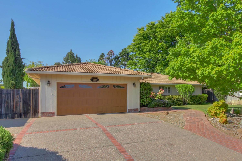 6209 Saint James Drive, Carmichael, CA 95608
