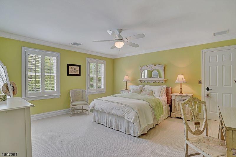 73 Geiger Lane, Warren Township, NJ 07059