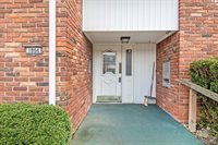 1864 Colonial Village Way, Waterford Township, MI 48328