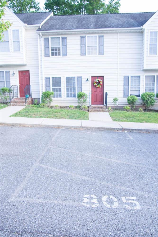 716 Leesville Road, Lynchburg, VA 24502