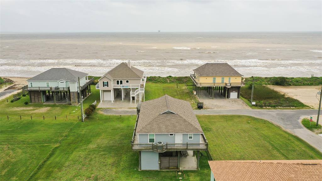 1245 Gulf Road, Crystal Beach, TX 77650
