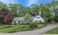 10 Lockewood Dr, Franklin, MA 02038